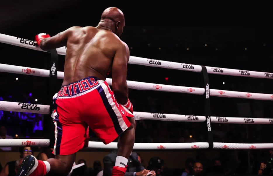Evander Holyfield listo para pelear con Mike Tyson